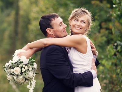 TOP 5 MONEY-SAVING WEDDING PLANNING TIPS